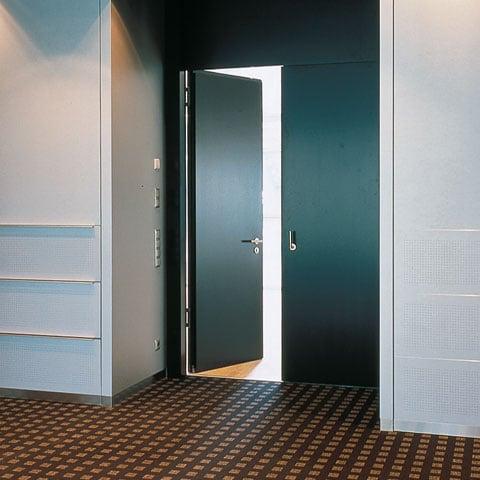דלתות אקוסטיות